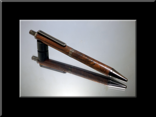 Claro Walnut Burl Gel Click Pen